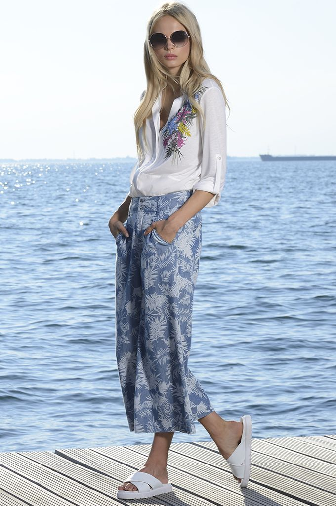 Sarah Lawrence - side printed shirt with combination of two fabrics, printed cropped trouser.