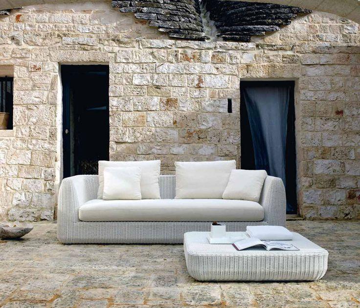 Outdoor furniture: Italian brand Unopiù, Agorà sofa