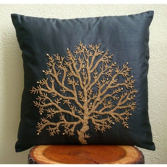 Diy Decorative Pillow Covers : 17 Best images about Bead work on Pinterest Handmade pillow covers, Diy throw pillows and ...