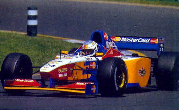 Vincenzo Sospiri at Melbourne 1997 in a MasterCard Lola, considered by many as the most disastrous teams of the last 25 years in F1.