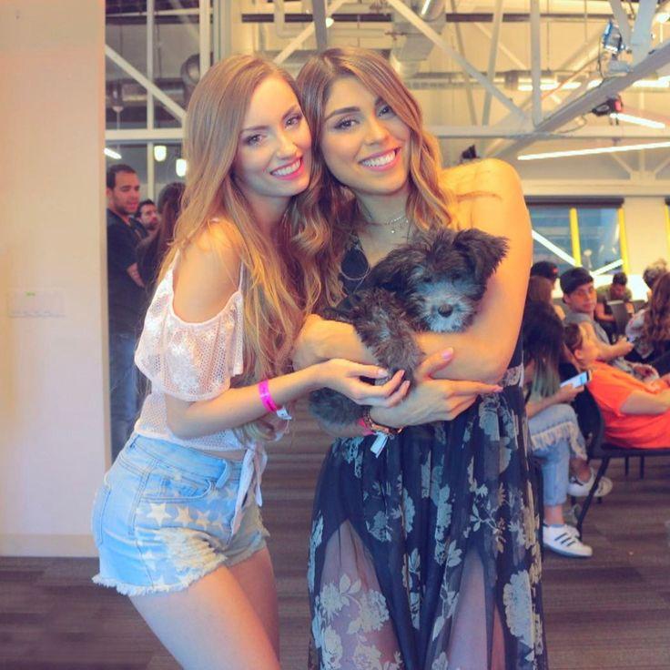 Dos chicas en medio de un niño guapetón! @itscachitoangeltv Pedimos un deseo??! Siempre es tan lindo verte mi Pau! @pautips #YTSpaceLA #HIS2017 #behappy #bepowerful @itscachitoangeltv @itscachitoangeltv
