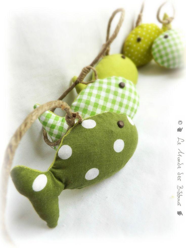 Guirlande de décoration chambre d'enfant, bébé . Poissons tissus vert sur…