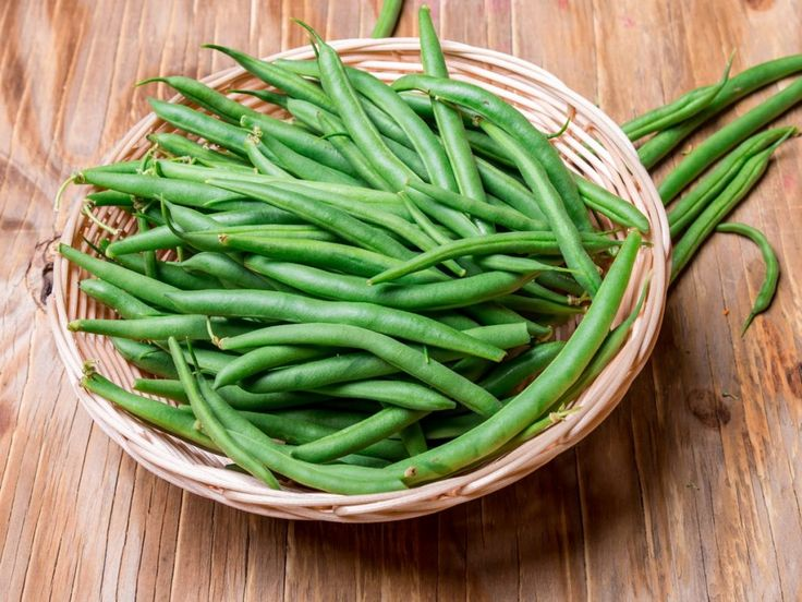 Health benefits of green beans include a reduced risk of heart disease and colon cancer, as well as improved regulation of diabetes. Green beans provide a big boost to your immune system and the elimination of harmful free radicals. These nutrient-packed beans also benefit the health of your eyes and bones, while regulating your digestive processes. They have also been shown to reduce the risk of birth defects for pregnant women.