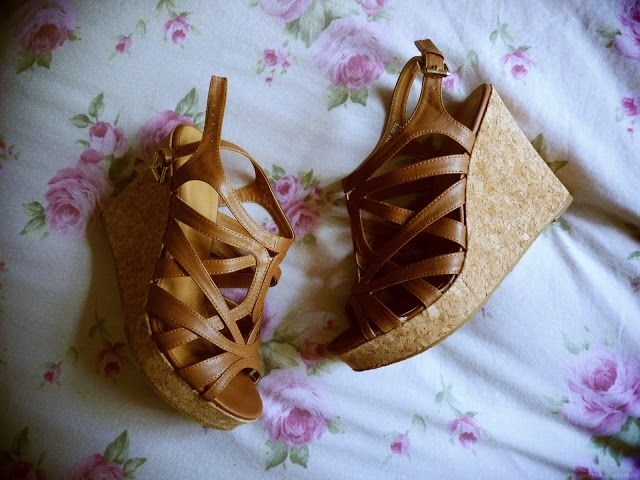 The Stones Inside My Shoes | A UK Lifestyle Blog: Barratts Sandal Wedges Review #shoes