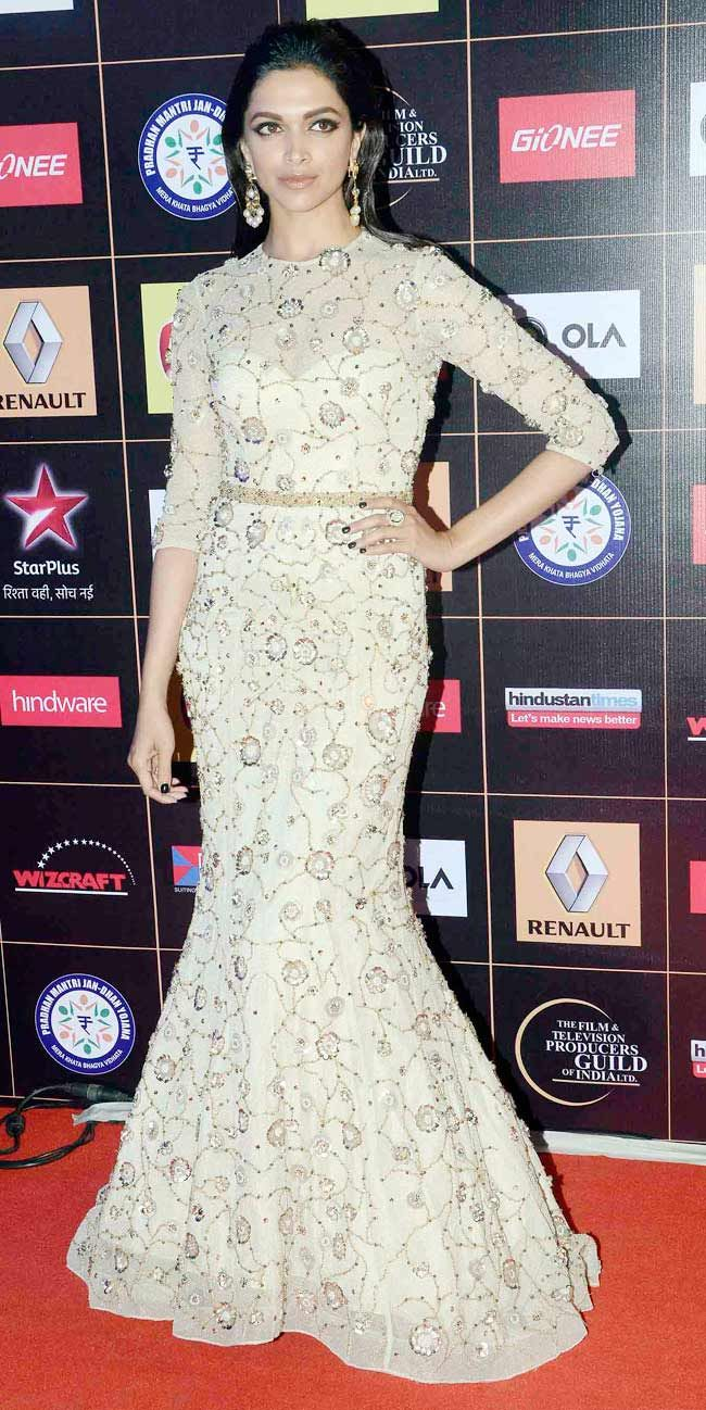 Deepika Padukone at Star Guild awards.