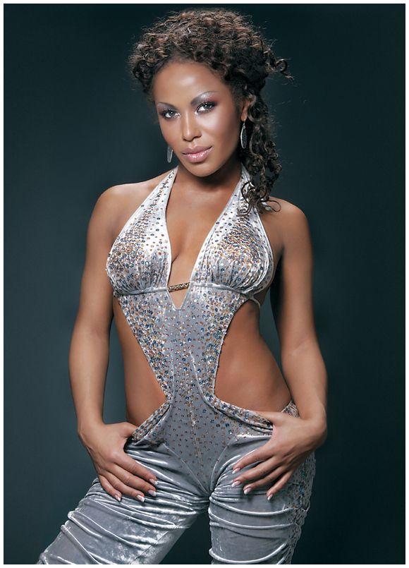 Співачка Гайтана презентувала новий диск «Капли дождя» - Starlife - Звёздная жизнь