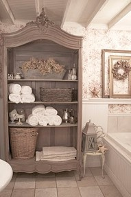 Open armoire for bathroom storage...  if only I had a bathroom big enough for it~!!!