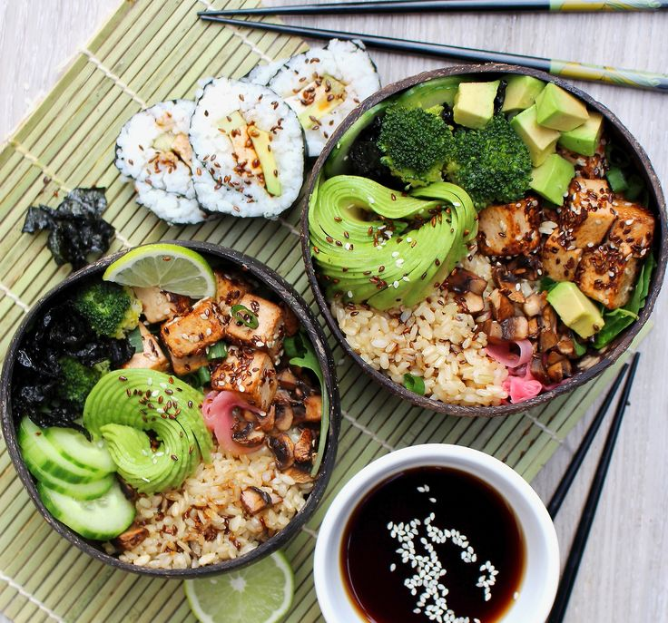 """veganzoejessica:  """" Deconstructed sushi bowls for lunch today 😍 Short grain brown rice, a bed of mesclun salad, cucumber, crispy seaweed, lime, broccoli, crispy tofu marinated in tahini, soy sauce and lemon juice and sautéed mushrooms, garnished with..."""