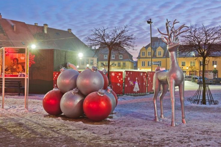 Wielki świąteczny hit – bombki XXL | Inspirowani Naturą | christmas decor for cities - large baubles by TerraChristmas.com