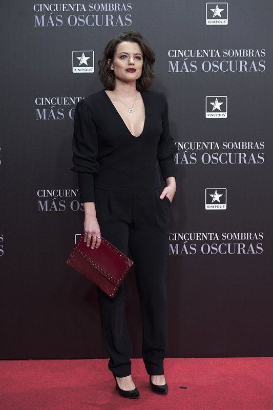 Adriana Torrebejano con clutch mireiq