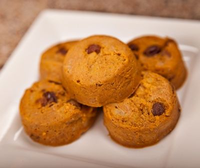 A diabetic muffin recipe with all nutritional and diabetic exchange information.  Pumpkin muffins for breakfast, brunch, or even just a snack.  Easy, free diabetic recipe from DiabeticLifestyle.