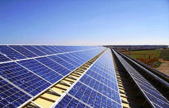 La energía solar adelanta al carbón en Reino Unido | Ciencia Home | EL MUNDO