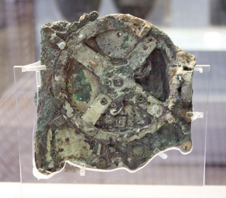 The remains of an Antikythera Mechanism uncovered from a shipwreck