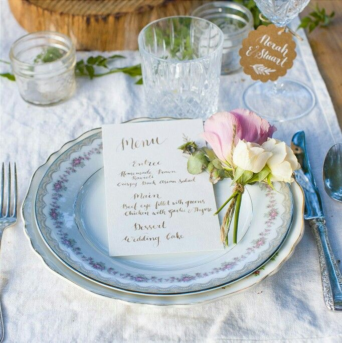 Styled shoot by The Vine & Ivy featuring Floralovely Calligraphy #menu #weddingmenu #calligraphy #moderncalligraphy #handlettering #wedding #weddingcalligrapher #weddingcalligraphy
