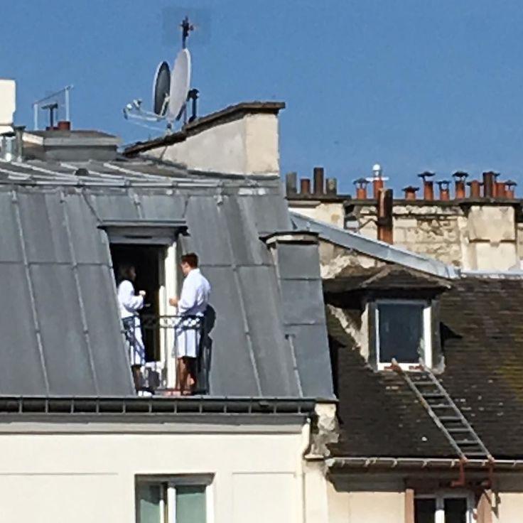 Paris πρωινό στο ... μπαλκόνι