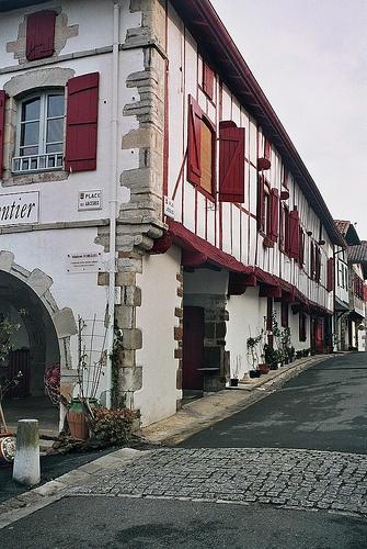 Basque Village - La bastide Clairence