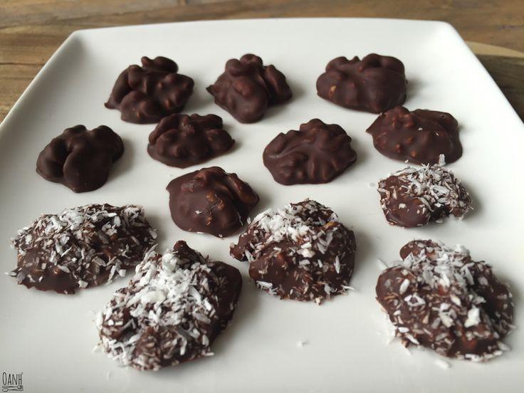 Ik had nog wat gesmolten chocolade over en vond het zonde om weg te gooien Ik heb er pecannoten in gedipt, een paar met kokos bestrooid en laten koelen in de koelkast zodat de chocolade goed…