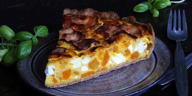 Fantastisk græskartærte med bacon og feta, som skaber en helt forrygende smagskombination.