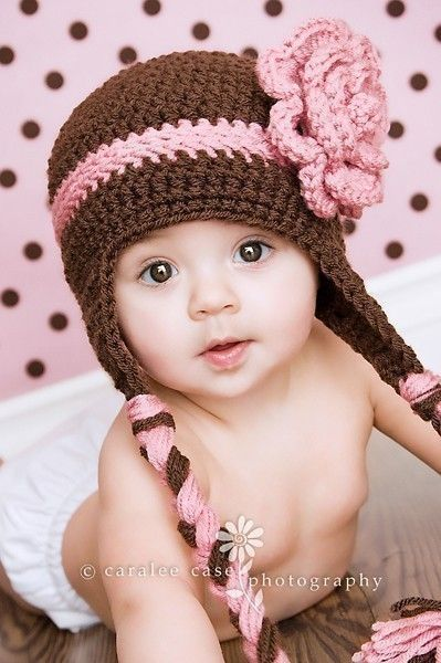 Girly crocheted hat! Jem would love this..hint hint @Meghan Krane :-)