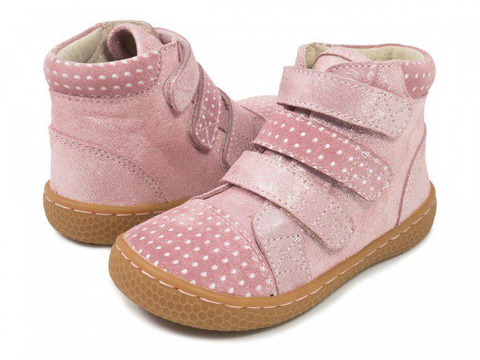 A fanciful blend of fall fabrications, our sparkly Girls High Top Sneaker will keep your gal stylin' and cozy. With three snazzy straps and a soft polka dot collar this sparkly hightop has plenty to show off! Available in sizes 4- 3Y.