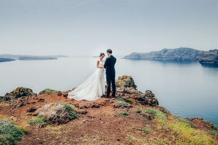 A pre wedding photo shoot I took in Santorini feautured in OneThreeOneFour