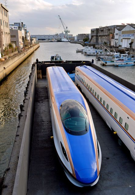Trains for Hokuriku Shinkansen produced by Kawasaki Hyogo Factory, ready for shipment, Kobe, Japan E7系北陸新幹線