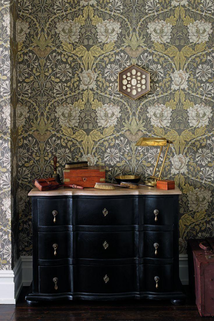 Honeysuckle and Tulip wallpaper design by Morris.