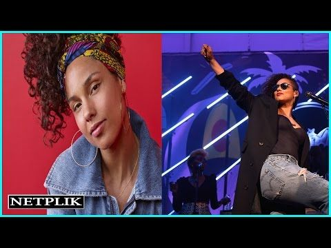 Alicia Keys isn't wearing makeup on 'The Voice'