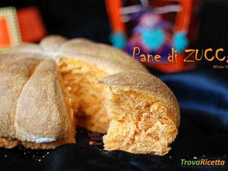 Pane di zucca per la tavola di Halloween  #ricette #food #recipes