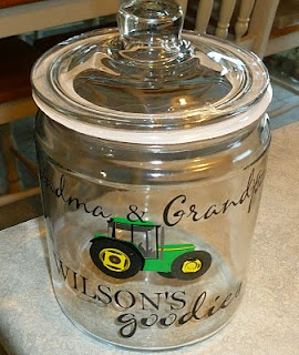 cricut vinyl lettering...with IH instead of Deere for the kitchen...you know...if I ever decide to bake cookies lol. Or I could make my own decorative canisters...hmmm....=)