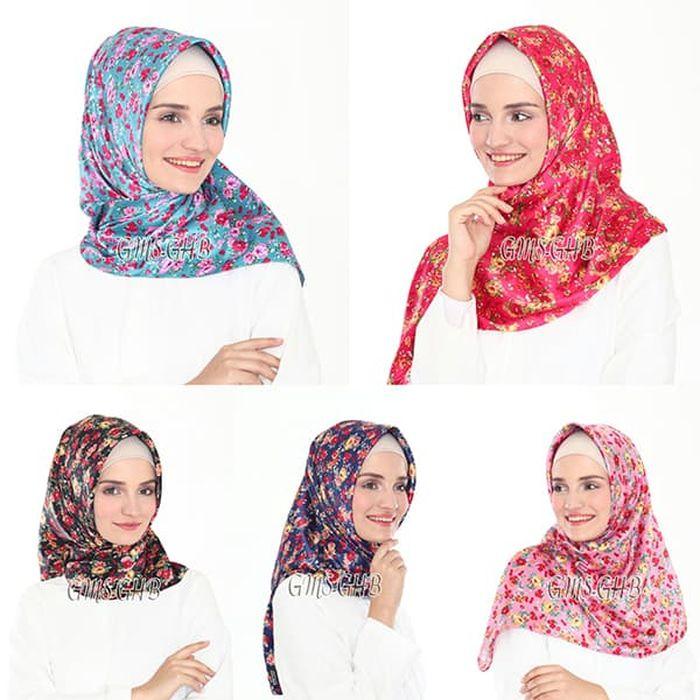 Model Hijab Segi Empat Satin