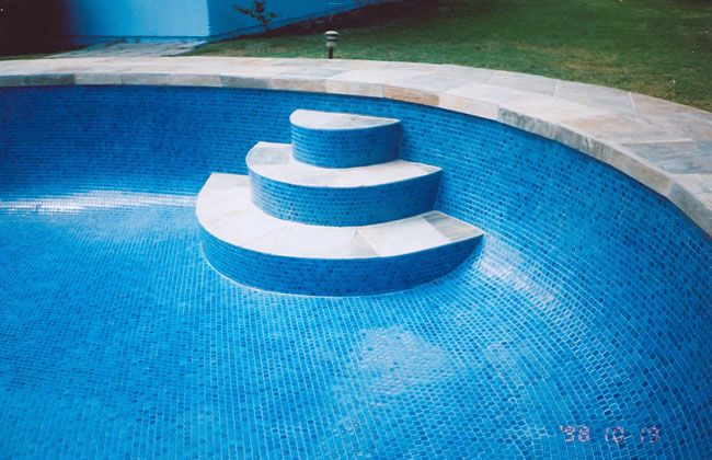 71 best images about pool tile ideas on pinterest mosaics swimming pool tiles and mauritius for Best thinset for swimming pool tile
