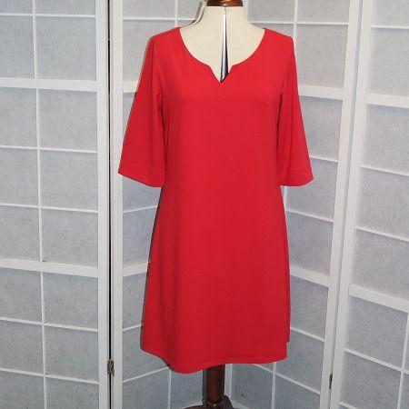 Robe trapèze rouge en crêpe de polyester à manches 3/4 : Robe par muriellejb-creations