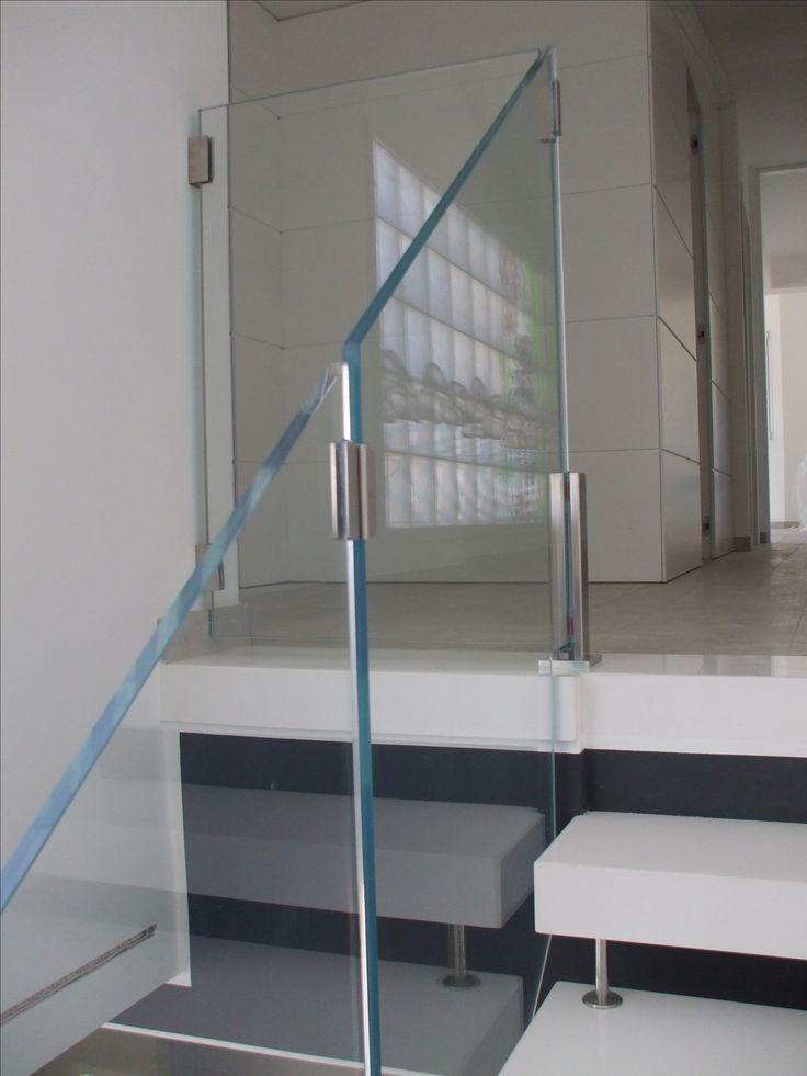 Ringhiera scala con pannelli in vetro e piantoni in acciaio inox steel factory snc