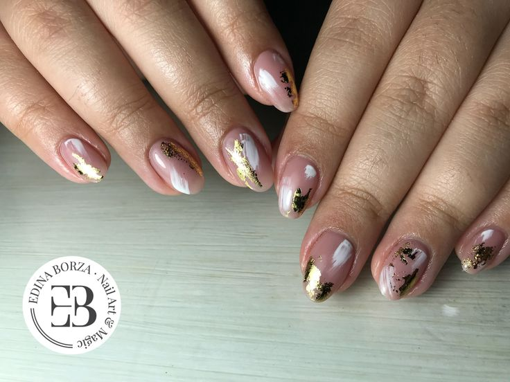 Nude foil gold geometric elegant nails