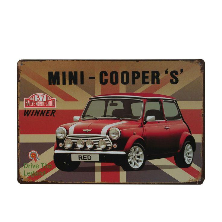 Plaque murale en métal.Thème voitures anciennes. Mini Cooper avec le drapeau national du Royaume Unis. Style vintage. Dimensions : 20 x 30 cm. Equipée de 4 trous pour fixation aux murs et aux portes. Idéal pour faire une collection, un cadeau ou bien décorer son intérieur.