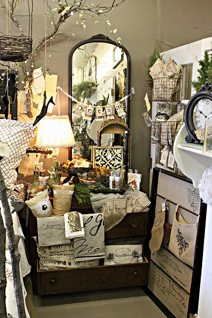 great display - lots of stuff in a small space that would keep the eye busy for a while in a good way