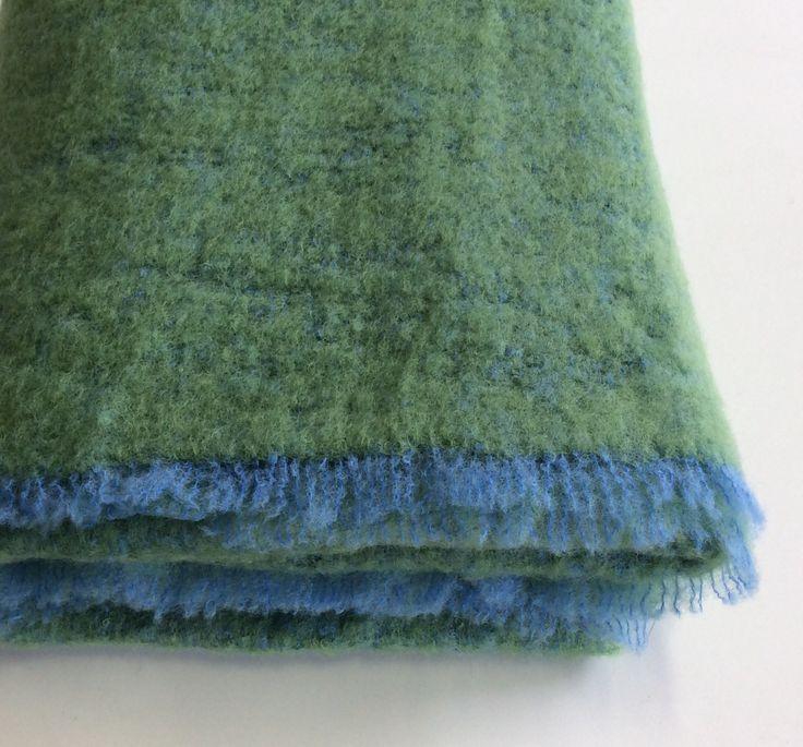 Plaid Cecchi &Cecchi in mohair.verde + azzurro. Frange azzurre.