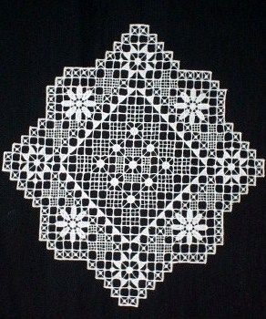 Needle lace from Nizhny Novgorod Province, Russia. A doily. #Russian #lace