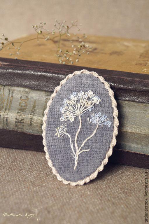 """Купить Текстильная брошь с вышивкой - """"Травинка"""" - текстильная брошь, на каждый день, брошь с вышивкой"""