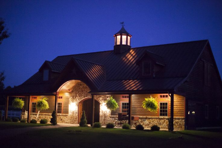 Check out http://kingbarns.com!  Create your perfect horse barn with the expertise of veteran barn builders. Learn more about building services for all types of equestrian facilities at KingBarns.com.