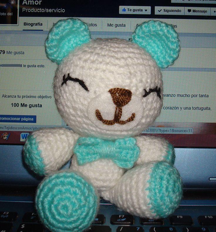 Osito creado para acompañar los sueños de un bebito bello....Renato. tejido en lana suave para bebé...