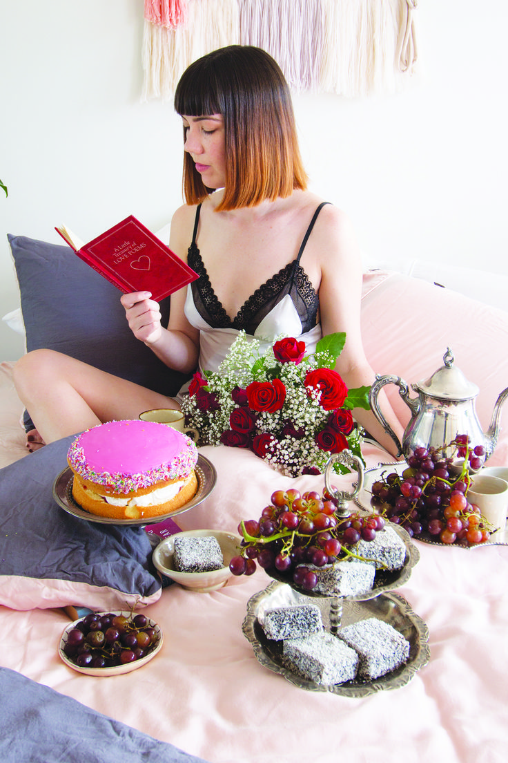TREAT YOURSELF! Pink Sheets from Ettitude and Cake!