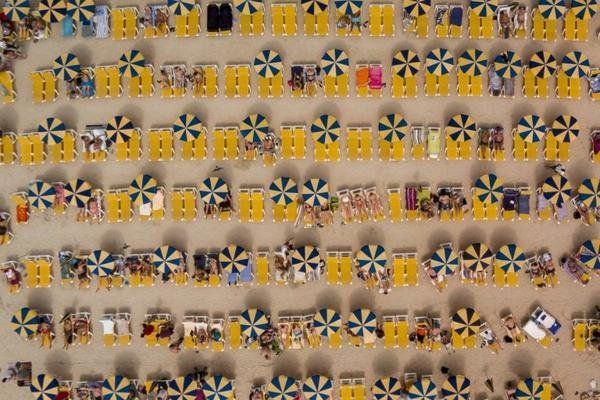 雅虎科技新聞: 2016最佳無人機攝影作品 - Yahoo奇摩新聞 - 西班牙阿馬多雷斯,夏令營