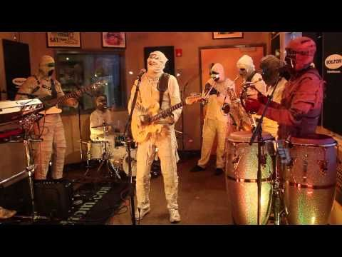 Kinda Lingers - Here Come the Mummies
