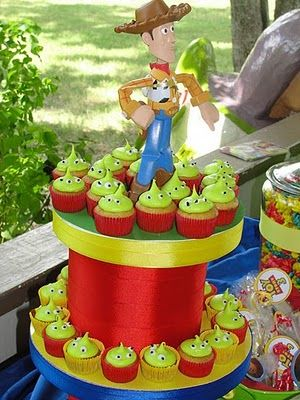 toy story cupcakes- I wanna make these for my brother!