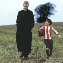 DOES GOD PLAY FOOTBALL? / Dio gioca a calcio? (SHORT FILM)