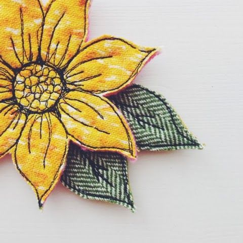 Drawing with your Sewing Machine - Brooch - Flower