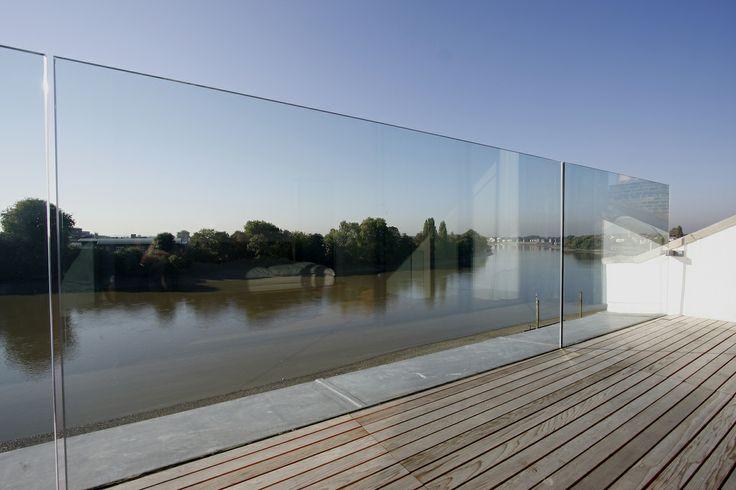 External glass balustrade by IQ Glass