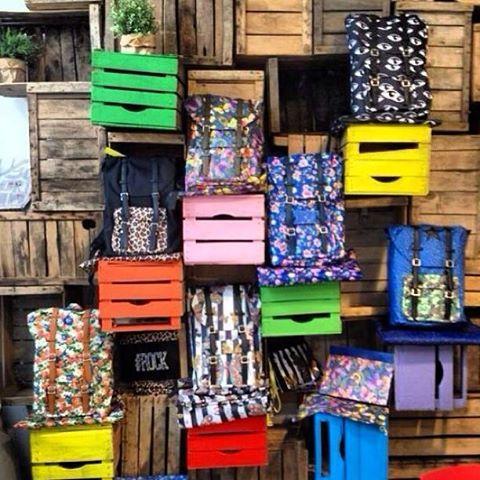 LI VOGLIO TUTTI!#shopart #backpack#verycool#shopartonline #accessories #tuttilivoglioni #hashtag #what'syourhashtag#musthave#italianstyle
